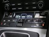 オートエアコン シートヒーター(3段階調整)