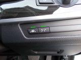 車線逸脱システム・障害物ブレーキ軽減システムのドライビングアシスト機能を装備しており、より快適、安全にドライブが出来ます。