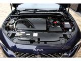 2.0Lディーゼルターボは小排気量を感じさせない軽快な走りをお楽しみ頂けます。