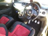 ●ハンドル周り『運転席・助手席は広くお乗り頂けます。』