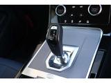 シフト周りを一新し、「ロータリーセレクター」から「ガングリップ」へ変更。よりスポーティーなドライブフィーリングをご提供。