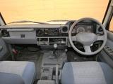トヨタ ランドクルーザーバン 70