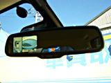 アラウンドビューカメラ装備!クルマを真上から見ているかの様に映像をモニターに表示。周囲の状況を把握しながら安心して駐車できます。