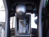 なめらかな加速、スムーズな変速、低燃費を可能にした高効率AT「SKYACTIV-DRIVE」を搭載。