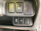 自動被害軽減ブレーキ、横滑り防止装置、オートライト点灯時にロービームとハイビームの切り替えを支援するハイビームアシストスイッチ☆