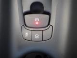 電動パーキングブレーキ付きです! スイッチひとつでブレーキの作動・解除が出来て、大変便利ですね♪