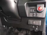 高速で便利なETCがあり、また、便利な電動スライドドアなどのスイッチは、運転席の右側、手の届きやすい位置にあります。