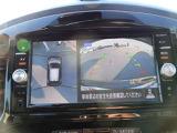 アラウンドビューモニターは車両の上空から見下ろすような映像で全方向見れるので、車庫入れが楽になります♪