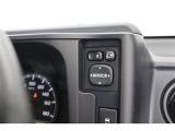 ■電動ミラー■ミラーをドライバーに適した位置に調節することや格納することがボタン1つでOK♪手動で調節・格納の手間をなくし、さらに直接ミラーに触れずに済むので指紋などの汚れも防ぐことができます。