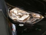 ヘッドライトで明かりを灯して安心安全!