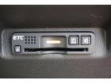 スマートインターチェンジを利用するに必須のETC車載器も付いています。あとはETCカードを差していただくだけで、煩わしい料金所でのお支払いも不要となります。