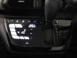 タッチパネル感覚で操作できるオートエアコン
