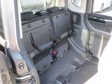 後部座席はこのようなシートアレンジもできます。いろんなお荷物を載せられますね!