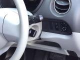 スマートキーシステム搭載ですので、ハンドル横のスイッチノブを回せば、エンジンスタート!