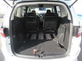 ★シート収納状態★ シートを収納した状態です!長い物も楽々積めるようになり、ますますスキのない車となっています。