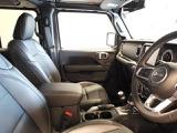 クライスラー ジープ・ラングラーアンリミテッド サハラ ローンチエディション 4WD