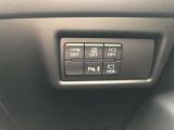 よく使うスイッチは運転席右側に集約。