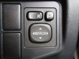 【電動格納ミラー】スイッチ一つでサイドミラーの開閉ができます!実は軽自動車ではこの機能が付いていないグレードもあるんです!