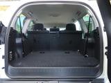 【運転席】運転席は視点が高いので、大型のSUVですが女性の方も運転がしやすいと思いますよ!