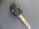 キーレスのお写真です。ボタンを押して頂くだけでドアの施錠開錠が可能です。