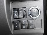 パワーウィンドゥ 運転席ドアスイッチ照明付です。電動格納ミラーも手元でワンモーションで可能です。