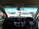 フロントガラスも大きく視界良好!!運転しやすいです!!