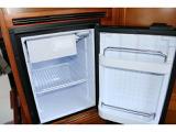 横開きDC冷蔵庫☆旅先で購入した食材なども冷やして保管できます☆