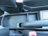 収納スペースがたくさんあります。限られた車内スペースを有効活用できるのも、重要なポイントですね。