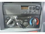 AMラジオ付き!もちろんエアコン付きで快適な運転を!