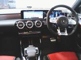 メルセデス・ベンツ AMG A35セダン 4マチック 4WD