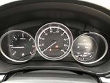 シンプルなメーターまわりは余分な情報が少なく、運転に集中できます!!