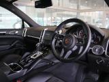ポルシェ カイエン プラチナエディション ティプトロニックS 4WD