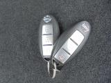 インテリジェントキーです!カバンやポケットに入れて持っているだけで、ボタンスイッチでドアロックの開閉が出来ます!