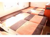ダイネットベッドは195cm×110cmの大人二名就寝☆