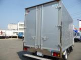 タイタン  2トン低温冷凍車