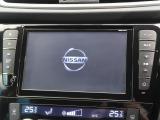 純正8型ナビ!!DVD再生やフルセグTVの視聴も可能です☆高性能&多機能ナビでドライブも快適ですよ☆