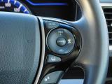 ACC・アクセルペダルを踏まずに設定した車速を保つクルーズコントロールに、前走車を検知する機能を追加。高速道路などで車速と車間を適切に制御します