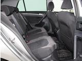 フォルクスワーゲン独自のリヤシート、ロングドライブでも快適です。