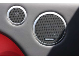 Meridianシグネチャーレファレンスオーディオシステム(29スピーカー)により車内で過ごす時間に豊かさが増えます。