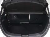 左右独立で前方にシートバックを倒すことができますので、大きな荷物を積むこともできます!