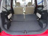 リヤーシートを倒すとさらに荷台のスペースが広くなり大きな荷物もらくらくです。
