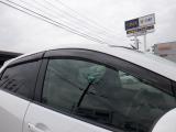 ドアバイザーも装着済みです!雨の日でも少しだけ窓を開けることができるので、雨の日のドライブも楽しくなりますね(^^♪