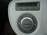 室内空間が爽やかで快適なフルオートエアコン付です。