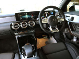 メルセデス・ベンツ AMG CLA45シューティングブレーク S 4マチックプラス 4WD