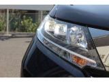 鋭い表情を生むLEDアイラインとヘッドライト 明るく省電力です。