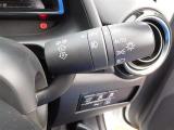 車外の明るさに応じて、自動的にライトの点灯・消灯をしてくれるオートライト付きです♪