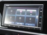 ナビゲーションはホンダ純正メモリーナビ(VXM-205Ci)が装着されております。AM、FM、CD、Bluetoothがご使用いただけます。初めて訪れた場所でも道に迷わず安心ですね!