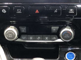 《オートエアコン》温度を設定すれば自動で空調調整をしてくれます★ボタンひとつで簡単便利!