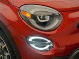 2つに分かれたデザイン性も高いヘッドライトはFIATのアイデンティティです。