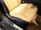 シート表皮には上質なパーフォレーテッド・ファインナッパレザーを使用!